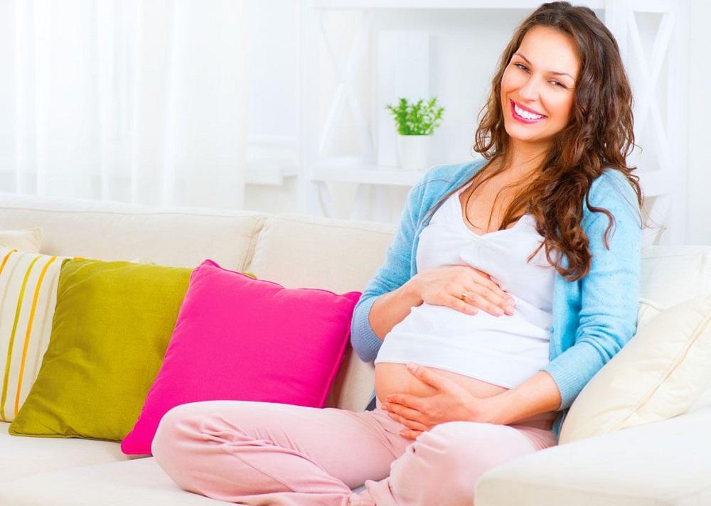 Можно ли отбеливать зубы во время беременности