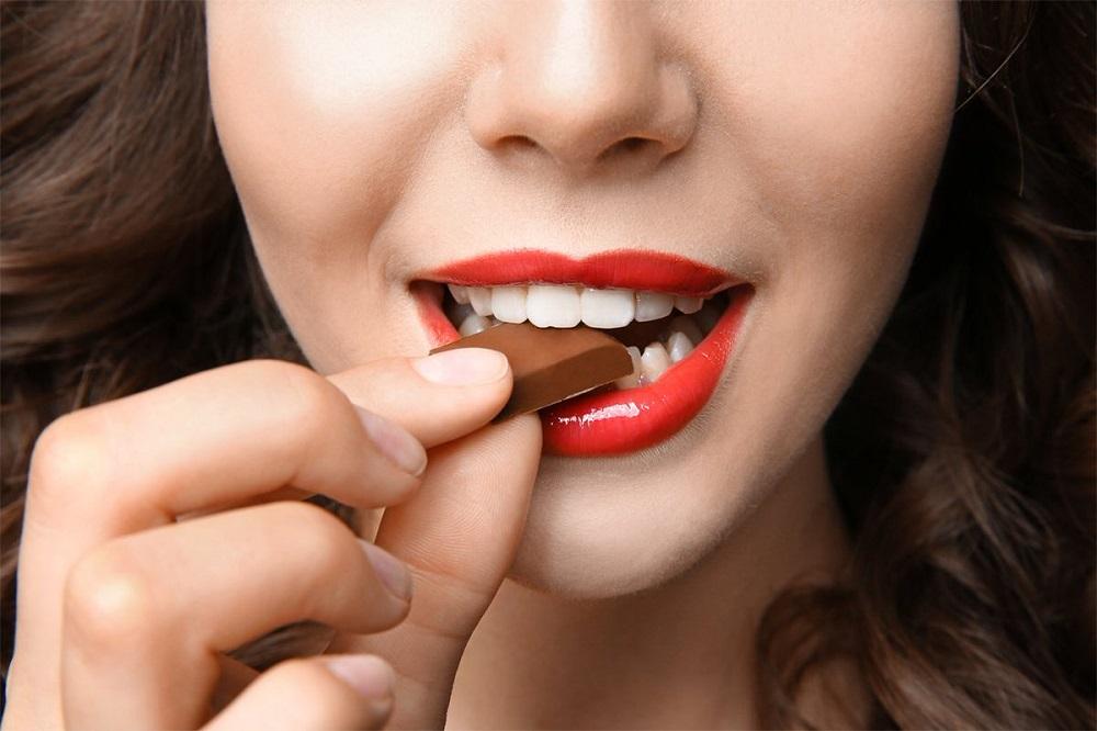 Сладости для зубов опасны